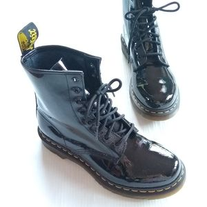 Doc Martens • 1460 patent Leather lace-up boots